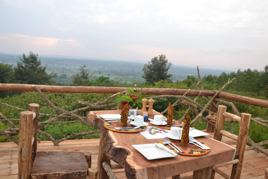Dining Topi Lodge Ishasha